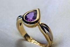 gold-gemstone-ring